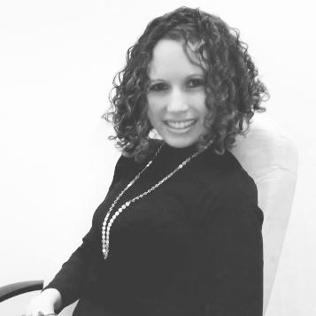 Lorena Angulo  Propietaria y Directora Creativa de Concepto Estudio Gráfico.