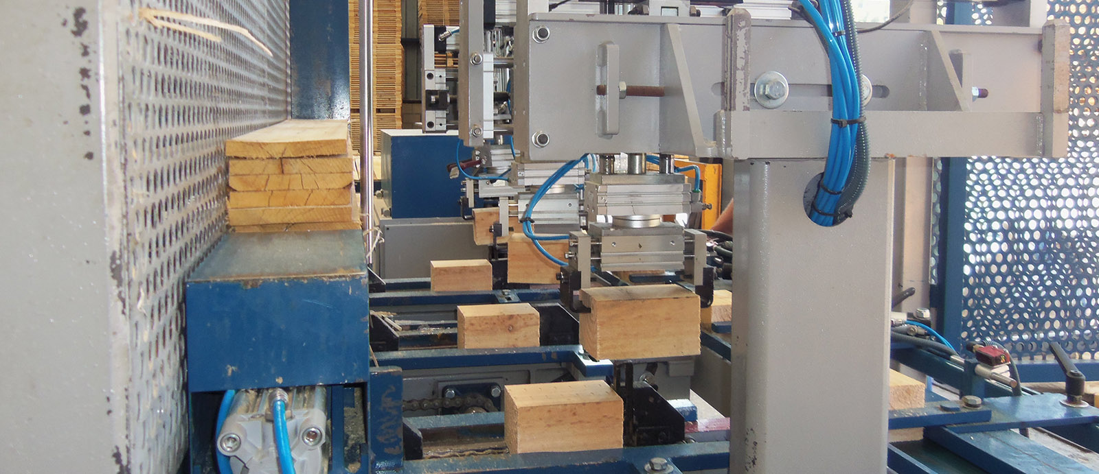 Orue. Fábrica de palets de madera